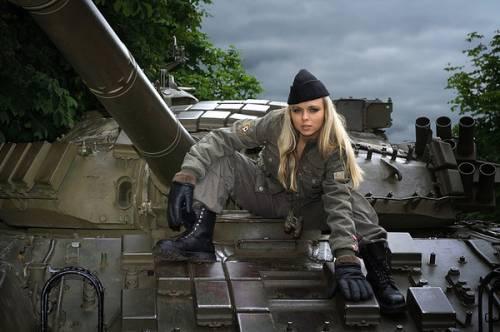 Девушка танкиста в форме фото фото 643-495